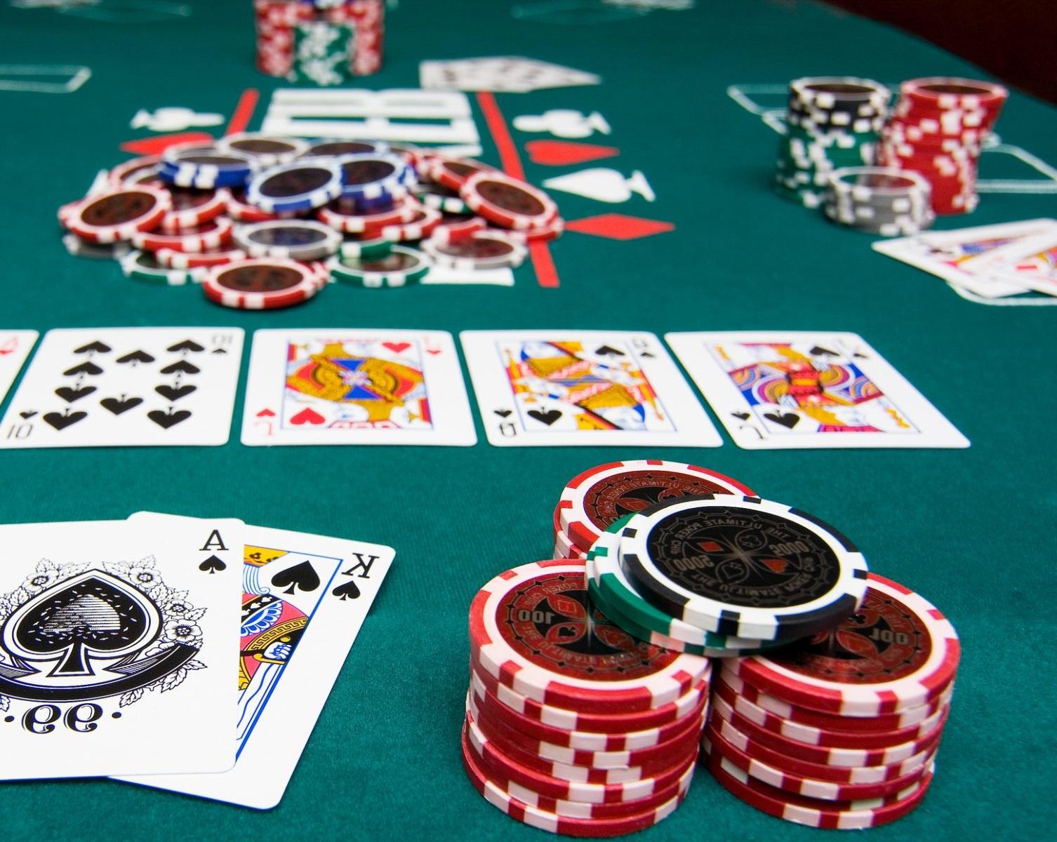 Taktik Memaksimalkan Keuntungan Bermain Judi Poker Online